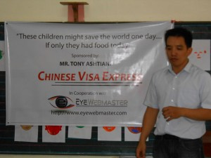 Philippines-feeding-program-small-children